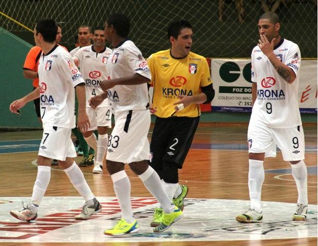 Joinville vence o Foz Futsal pela Copa Cataratas (Foto: Manolo Quiróz/Divulgação)