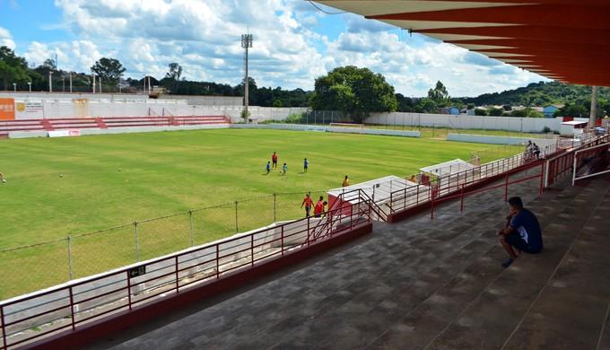 Estádio Elias Arbex, em Três Corações (MG) (Foto: Lucas Soares)