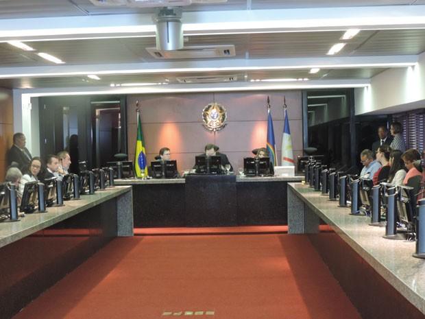 Julgamento sobre o dissídio coletivo ficou marcado para esta quarta (30); sessão ocorre no pleno do TRT (Foto: Vitor Tavares/G1)