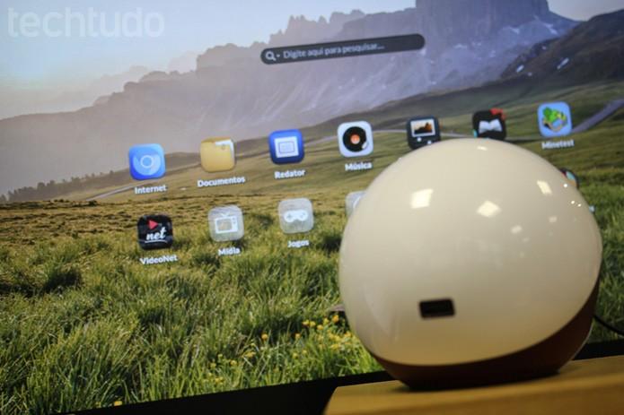 Novo Endeless OS 3.0 com o Endless One, computador vendido pela fabricante (Foto: Melissa Cruz / TechTudo)