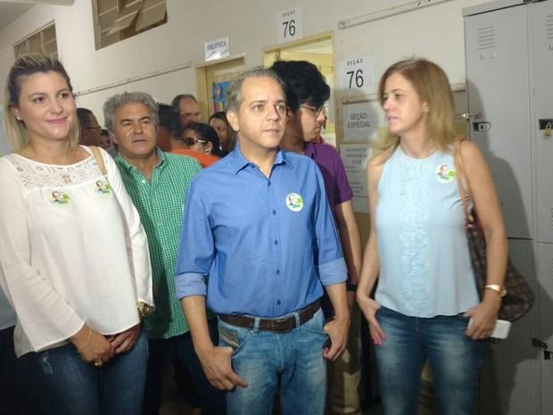 Candidato a prefeito Coronel David (PSC) vota em Campo Grande (Foto: Evelyn Souza/TV Morena)