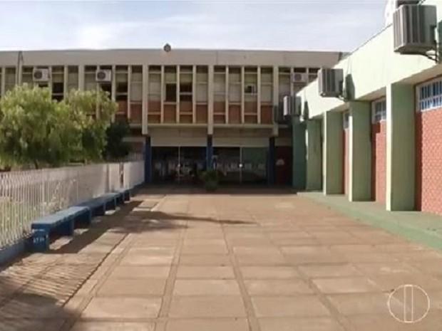 Maioria das escolas de Montes Claros começaram paralisações nesta quinta-feira (16) (Foto: Reprodução/Inter TV)