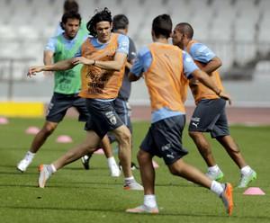 Cavani treino Uruguai (Foto: REUTERS/Andres Stapff)
