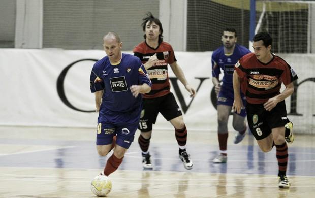 Cearense Carlinhos jogando pelo FC Andorra 8bb4387a8d470