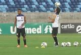 Mano Menezes faz mistério, mas deve escalar o Corinthians com Romero