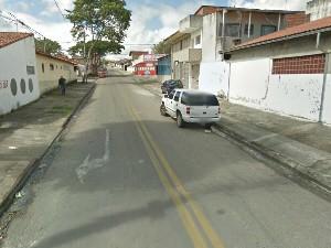 Rua onde o jovem foi morto, segundo a polícia. (Foto: Reprodução/Google Street View)
