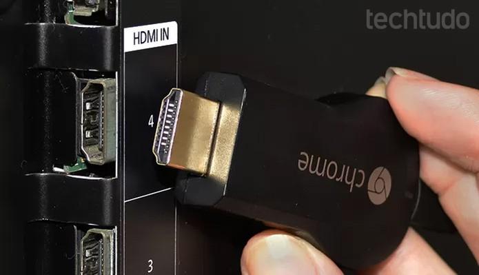 Encontre na TV a entrada chamada de HDMI, com mesmo padrão do Chromecast  (Foto: Barbara Mannara/TechTudo)