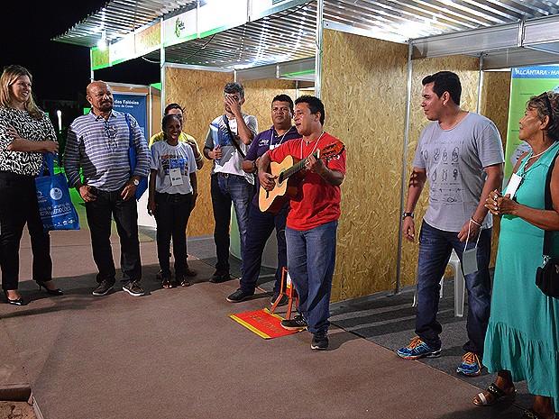 Roda de música animou o público no 1º dia (Foto: Maurício Araya / G1)