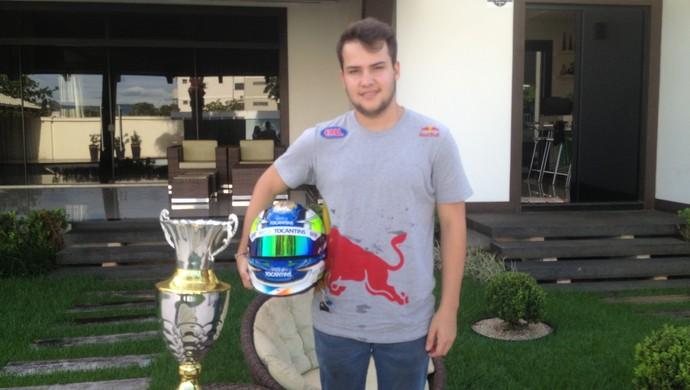 Felipe Fraga está confiante para etreia na Stock Car e garante chances de vitória (Foto: Camila Rodrigues/GloboEsporte.com)