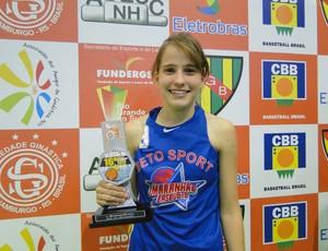 Raíssa Catossi foi considerada a melhor armadora, na categoria sub-16, do Sulamericano de Basquete 2012, no Rio Grande do Sul (Foto: Divulgação)