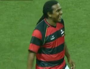 FRAME - Emerson, jogador de showbol do Flamengo (Foto: Reprodução SporTV)