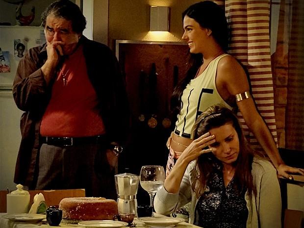 Roni diz que preferia que Dolores estivesse morta (Foto: Avenida Brasil / TV Globo)