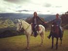 Thaila Ayala posta foto com Vilhena e deseja 'Feliz Dia dos Namorados'