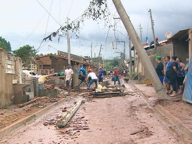 Chuva em Atibaia (Foto: Reprodução/ TV Vanguarda)