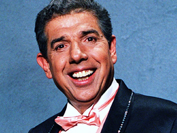 O ator mexicano Rubén Aguirre Fuentes, conhecido por interpretar o Professor Girafales em 'Chaves' (Foto: Divulgação)