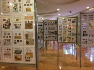 Mostra traz 52 coleções de selos, carimbos e postais,  em Campinas  (Foto: Rosana Spinelli / Reprodução )