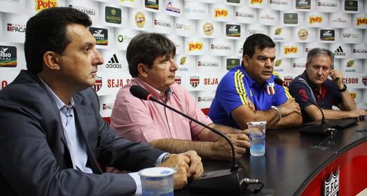 em conjunto (Rogério Moroti / Agência Botafogo)