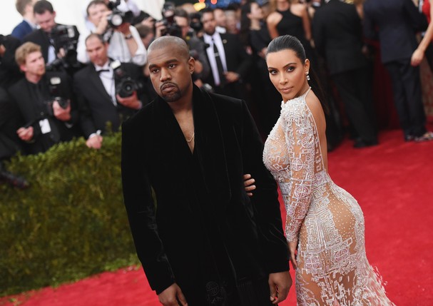 Kim Kardashian e Kanye West no Baile do MET 2015 (Foto: Mike Coppola/Getty Images)