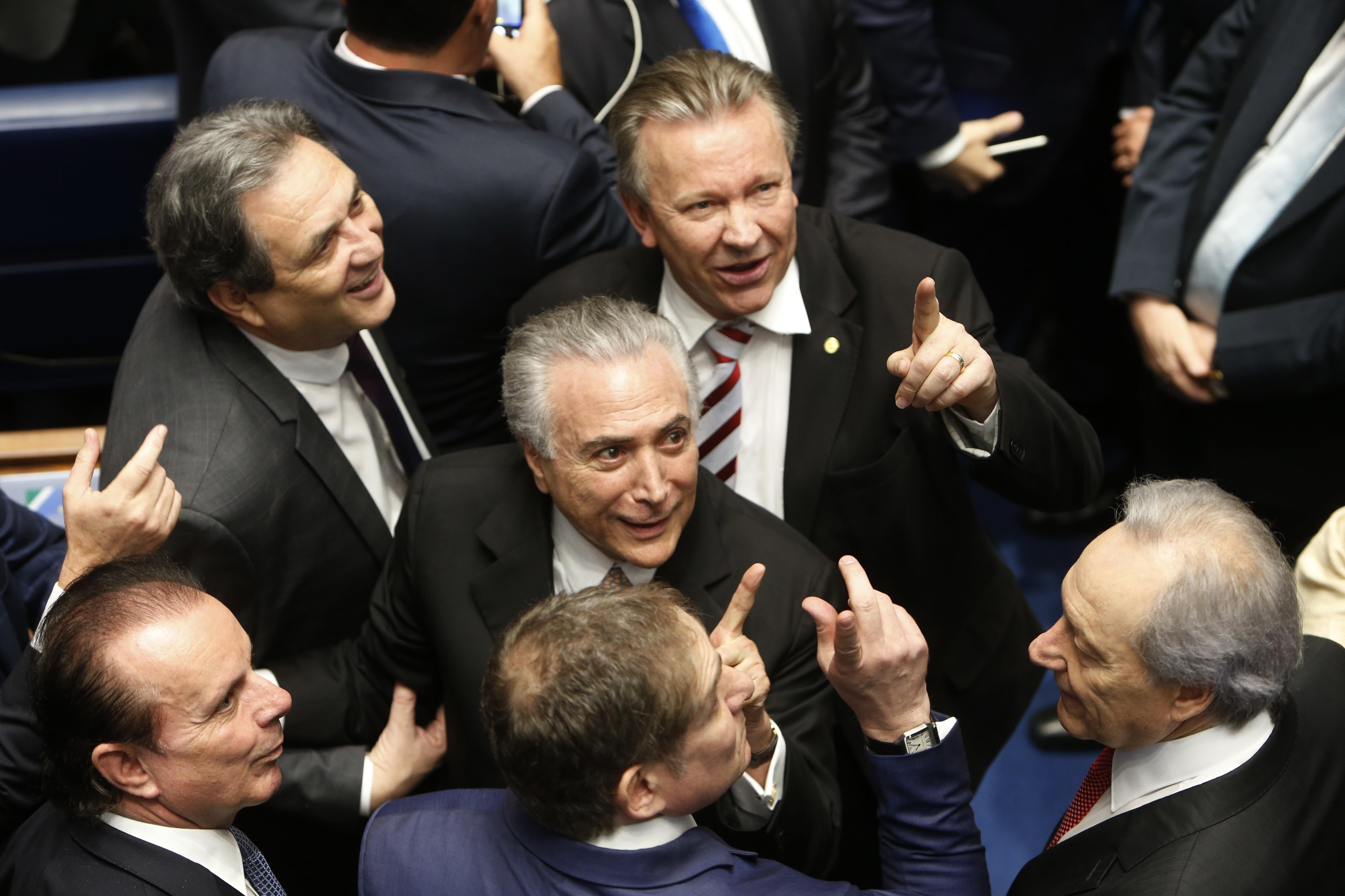 Michel Temer durante posse como presidente interino, em 2016 (Foto: Getty Images/Igo Estrela)