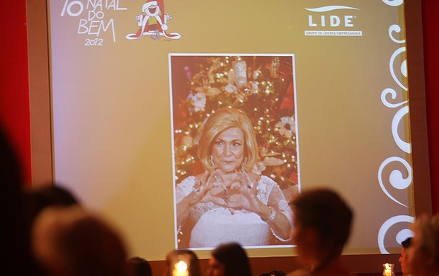 Hebe Camargo é lembrada na décima edição do Natal do Bem, em São Paulo (Foto: Iwi Onodera/ EGO)