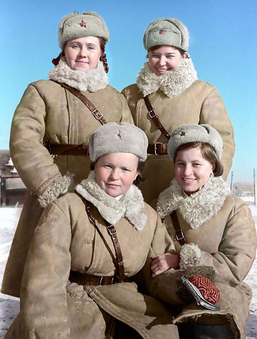 Controladoras de tráfego no front de Wolchow, em 1943 (Foto: Reprodução)