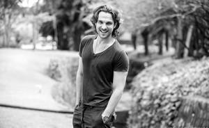 Igor Rickli: 'Eu sempre quis fazer um vilão dissimulado como o Alberto' (Flor do Caribe/TV Globo)