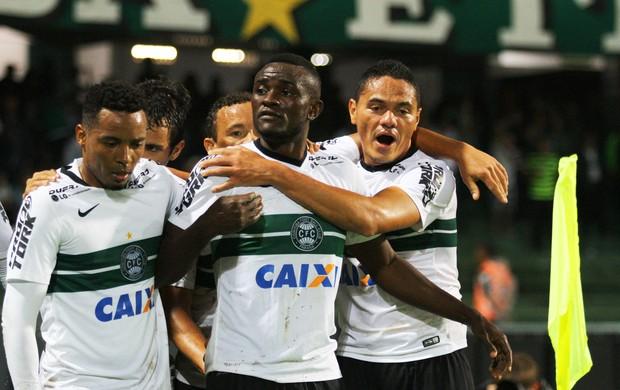 Coritiba x Fluminense - gol do Coritiba (Foto: Agência Estado)