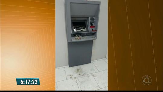 Grupos explodem dois caixas eletrônicos no interior da Paraíba