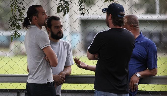 Barcos se encontra com torcedores do Grêmio (Foto: Wesley Santos/Agência PressDigital)