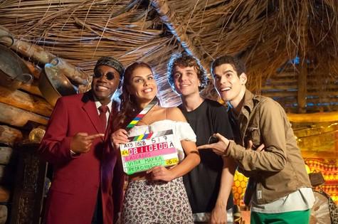 Nando Cunha, Paloma, Paulo Vilela e Manoel Junior: elenco de 'Lascados' (Foto: Bruno Herculano)