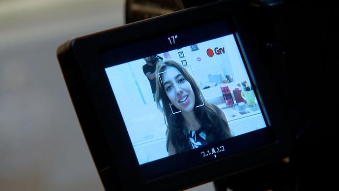 Eles pensam o texto e programa a câmera para os vídeos (Foto: Divulgação / TV Gazeta ES)