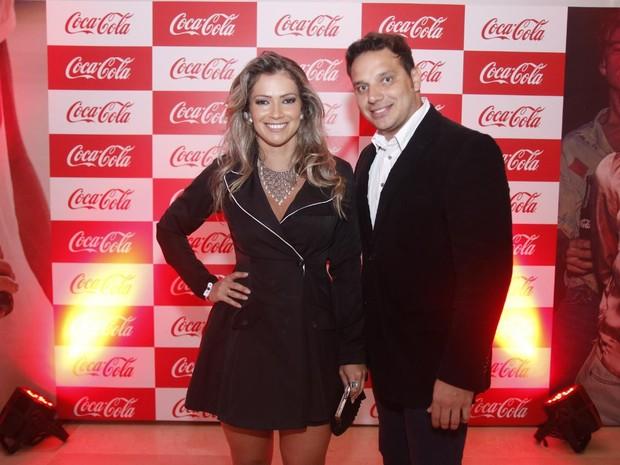 Ex-BBB Fani e o noivo, Leandro Dias, em evento na Zona Portuária do Rio (Foto: Daniel Pinheiro/ Ag. News)