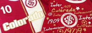 Joo Derly ganha uniforme do Inter de D&#39;Ale para a filha recm-nascida (Reproduo/Instagram)
