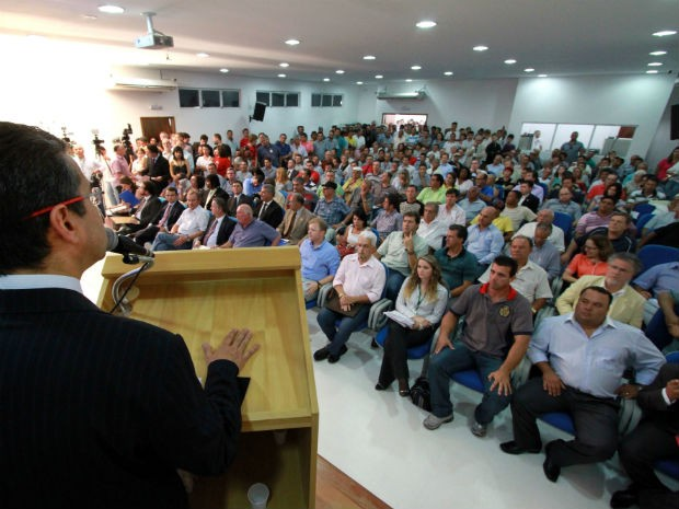 Segundo as contas apresentadas, a tarifa técnica pode chegar a R$ 2,78 na capital paranaense em 2013 (Foto: aelson Lucas / SMCS / Divulgação)