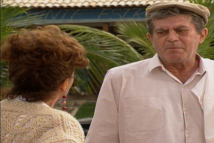 Z Pedro avisa a Manoela que vai sumir de Pontal (Foto: reproduo/viva)