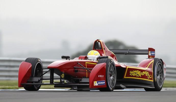 O brasileiro Nelsinho Piquet disputará temporada pela equipe Team China (Foto: Divulgação)