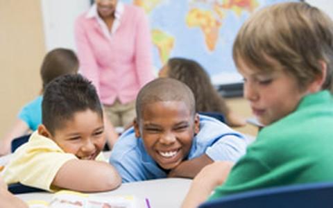 É preciso trocar a criança de escola no meio do semestre: o que fazer?