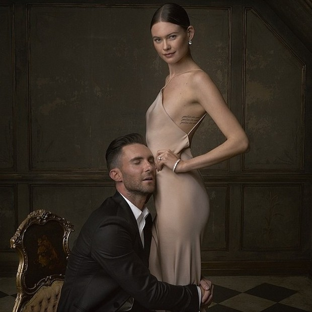 Papai! Nasce filha do cantor Adam Levine com Behati Prinsloo