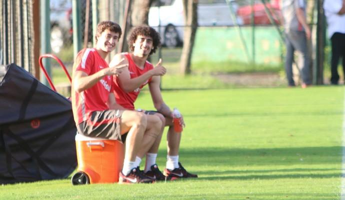 Valdívia Rodrigo Dourado Inter (Foto: Tomás Hammes/GloboEsporte.com)