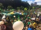 Manifestantes protestam contra Dilma e Lula em Porto Alegre