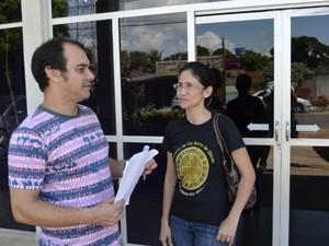 Administrador Waldir Júnior, 44 anos, e a pedagoga Seli Alencar, 39 anos, são uns dos mais de mil usuários do TFD no AP (Foto: Abinoan Santiago/G1)