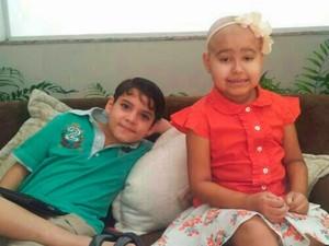 Rafaela luta contra um tipo raro de leucemia em Goiânia, Goiás (Foto: Reprodução/TV Anhanguera)