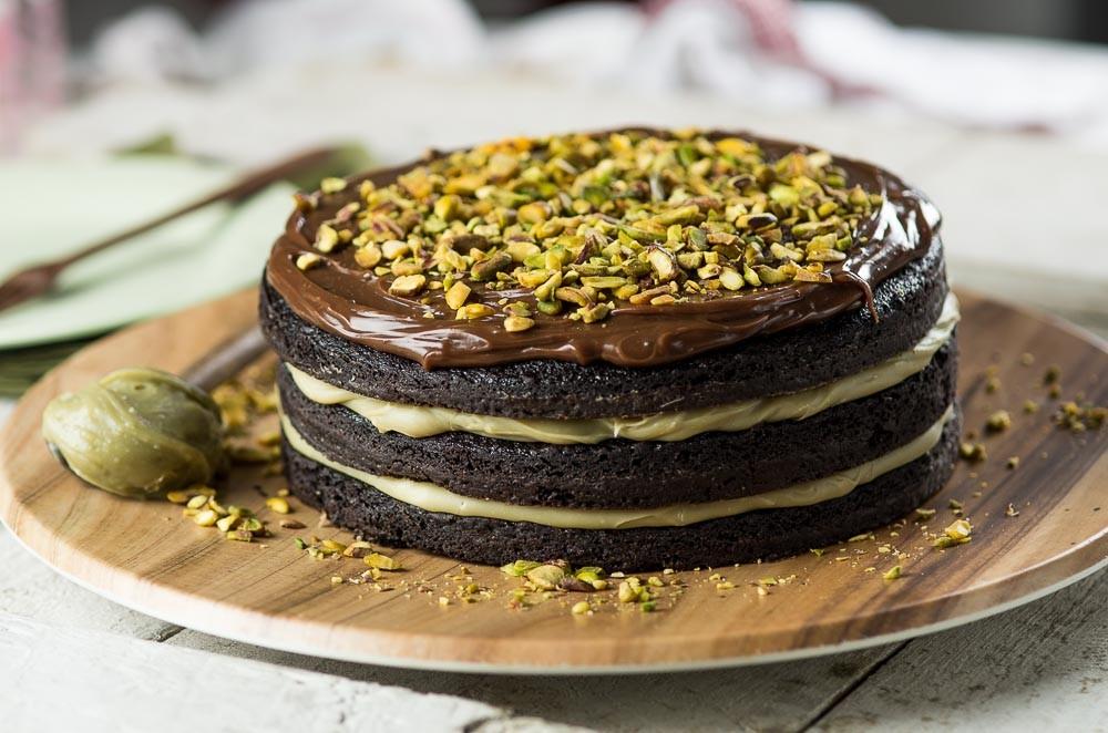 Bolo brownie de cacau com pistache (Foto: Divulgação)