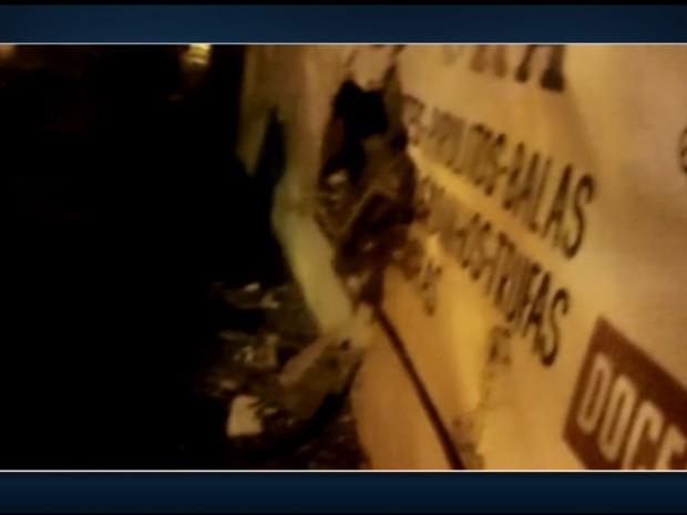 Acidente causou estragos no muro em Itapira (Foto: Reprodução/EPTV)