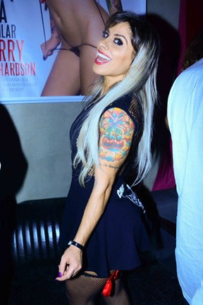 Ex-BBB Vanessa em festa em São Paulo (Foto: Leo Franco/ Ag. News)