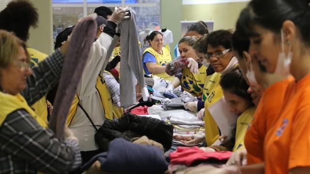 Campanha do agasalho em Blumenau (Foto: RBS TV/Divulgação)