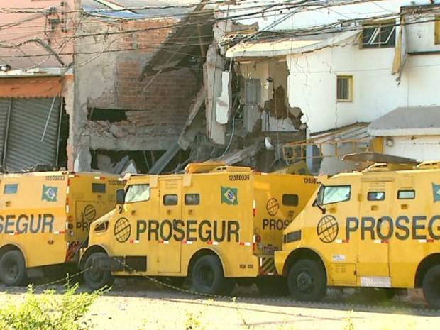Grupo armado atacou empresa de segurança e transporte de valores (Foto: Paulo Souza/EPTV)