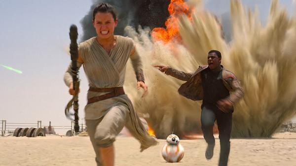 'Star Wars - O Despertar da Força' traz mistério e protagonista negro em trailer