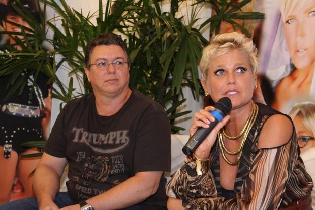 Xuxa e Boninho (Foto: Alex Palarea  / agn)