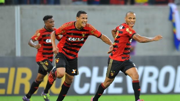 oswaldo patric sport x palmeiras (Foto: Aldo Carneiro / Pernambuco Press)